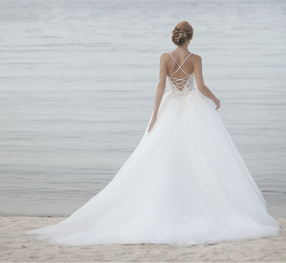 Choosing The Right Wedding Dress For Every Body Type