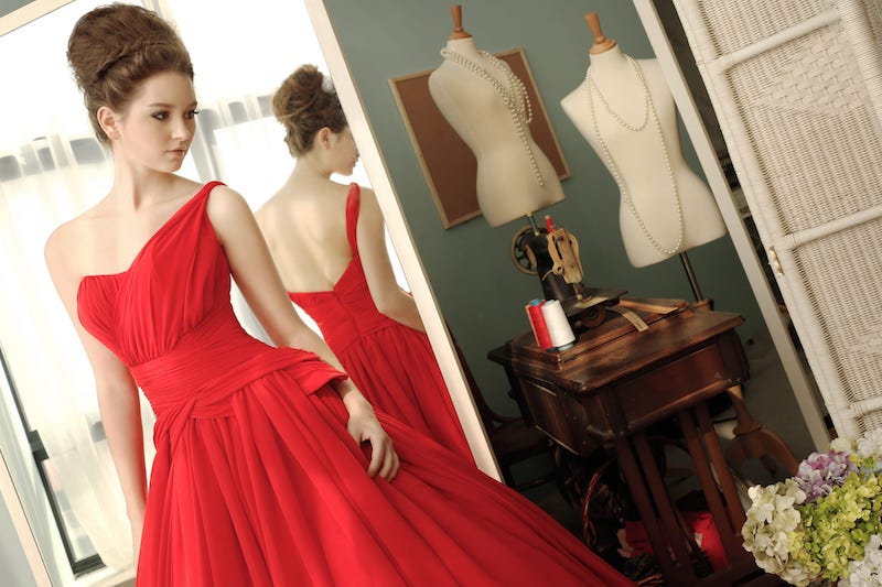 Best Wedding Gown Colours For Brides With Dark Skin Tones